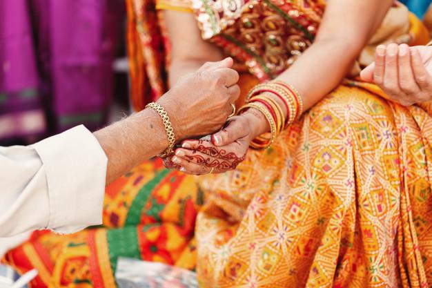 ขายของอะไรดี-ออนไลน์-ชุดแต่งงานสีแดง-ชุดแต่งงานอิสลาม